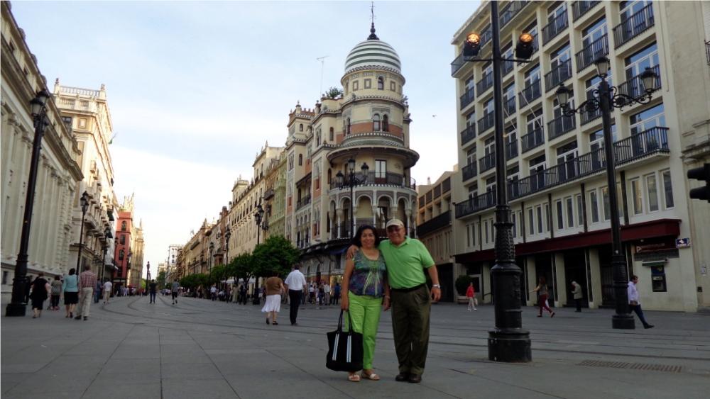 CINCO DÍAS PARA VISITAR SEVILLA: Altagracia y Manuel (4/5)